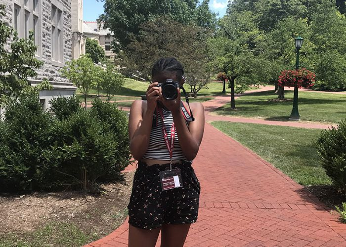 HSJI Students Learn Photography By Shadowing Others
